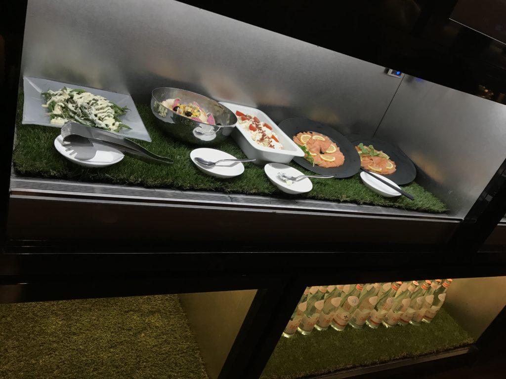 コンラッド大阪のイブニングカクテル