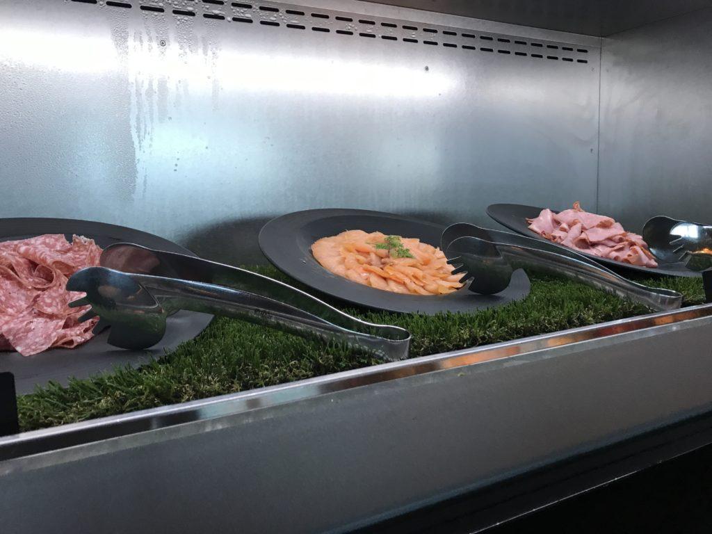 コンラッド大阪の朝食:サーモン