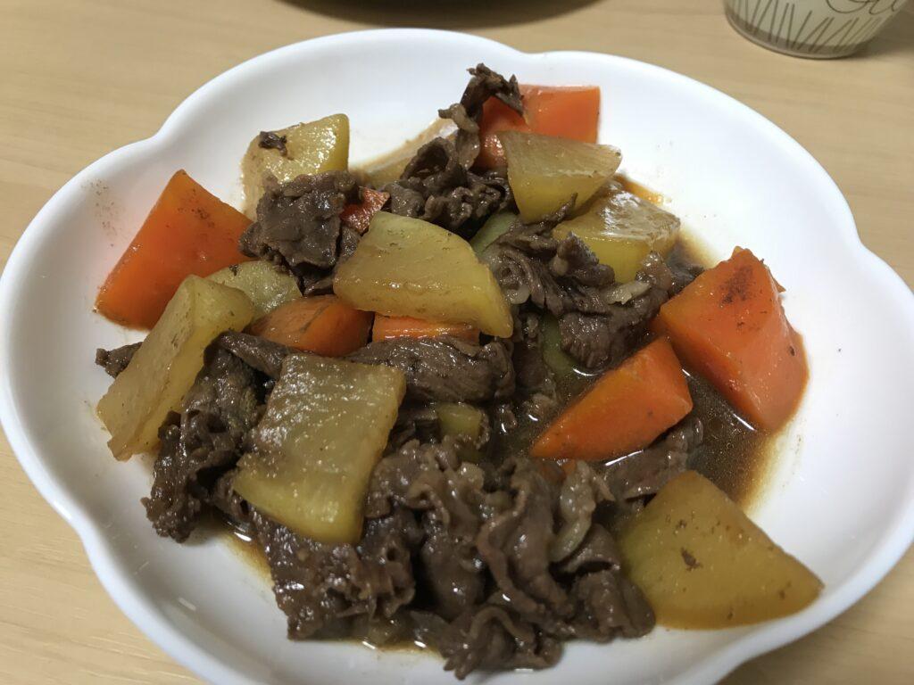 牛肉と大根にんじんの煮込み