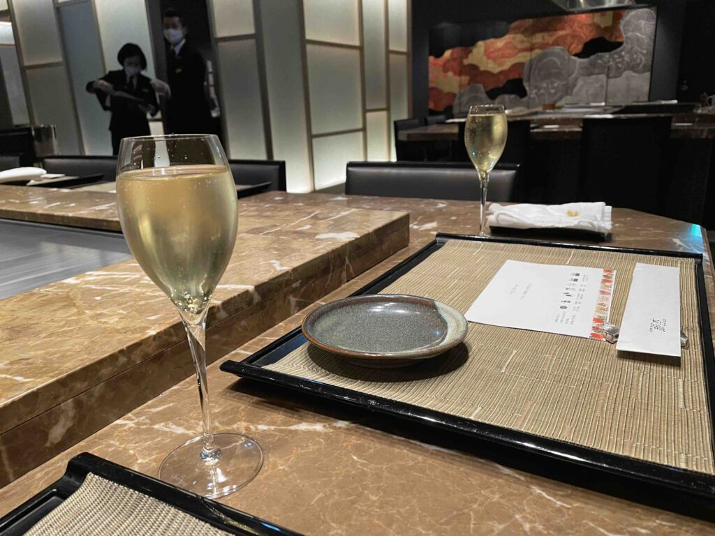 ホテル日航福岡の銀杏のシャンパンで乾杯