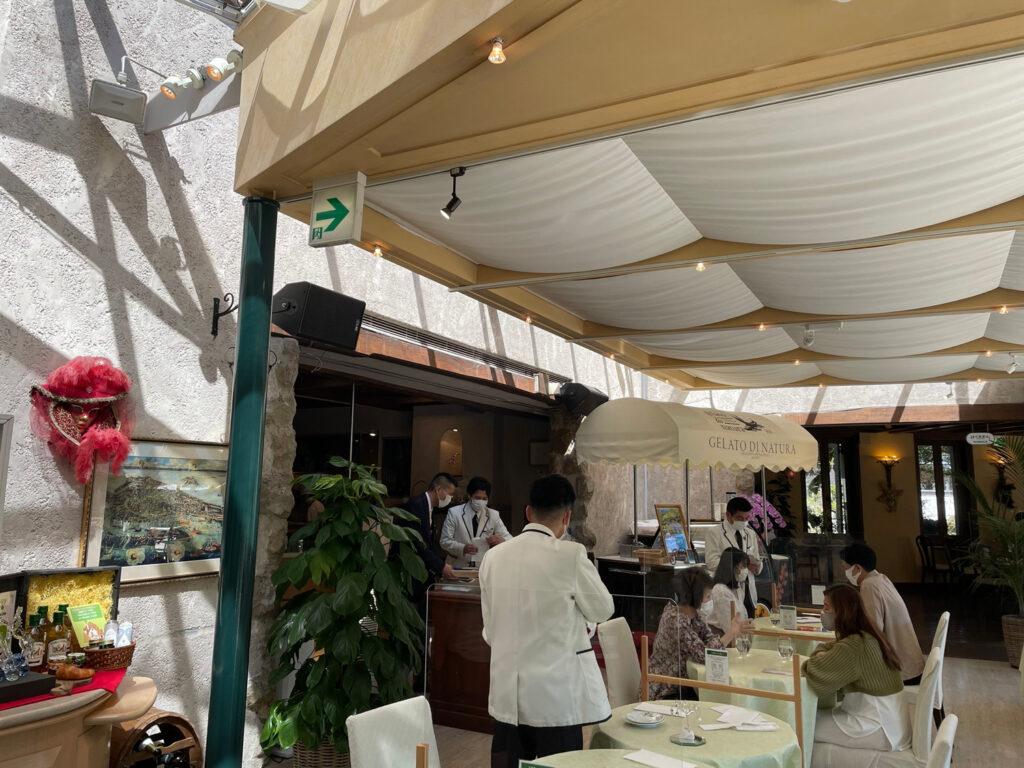 箱根仙石原【風雅】露天風呂付き客室はカップル温泉旅行にオススメ:ガラスの森レストラン